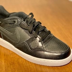 Brand New Nike Women Son of Force Shoes